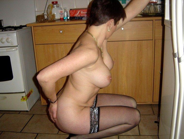 Estelle femme mure baisee par jeanfrancois cope et un autre - 2 part 5