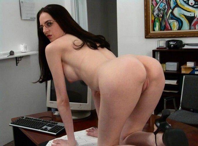 femme touffue salope secretaire